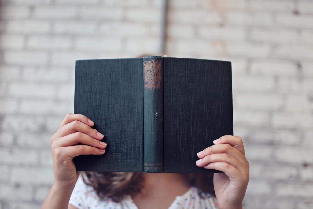leggere per migliorare il proprio modo di scrivere in inglese